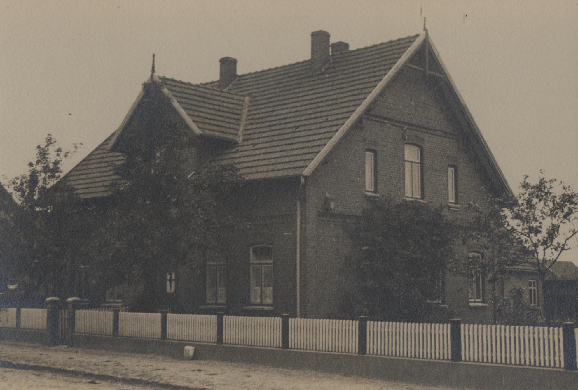 """""""Poppes Haus"""" ca. 1948 (rechts vom Eingang sind die Kassenräume gewesen)"""